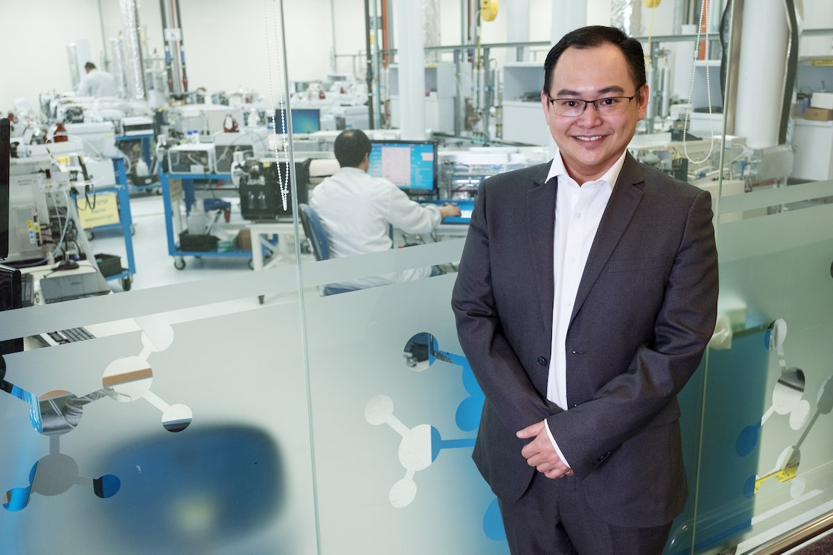 Chow Woai Sheng, Vice President & General Manager of Agilent Technologies Singapore