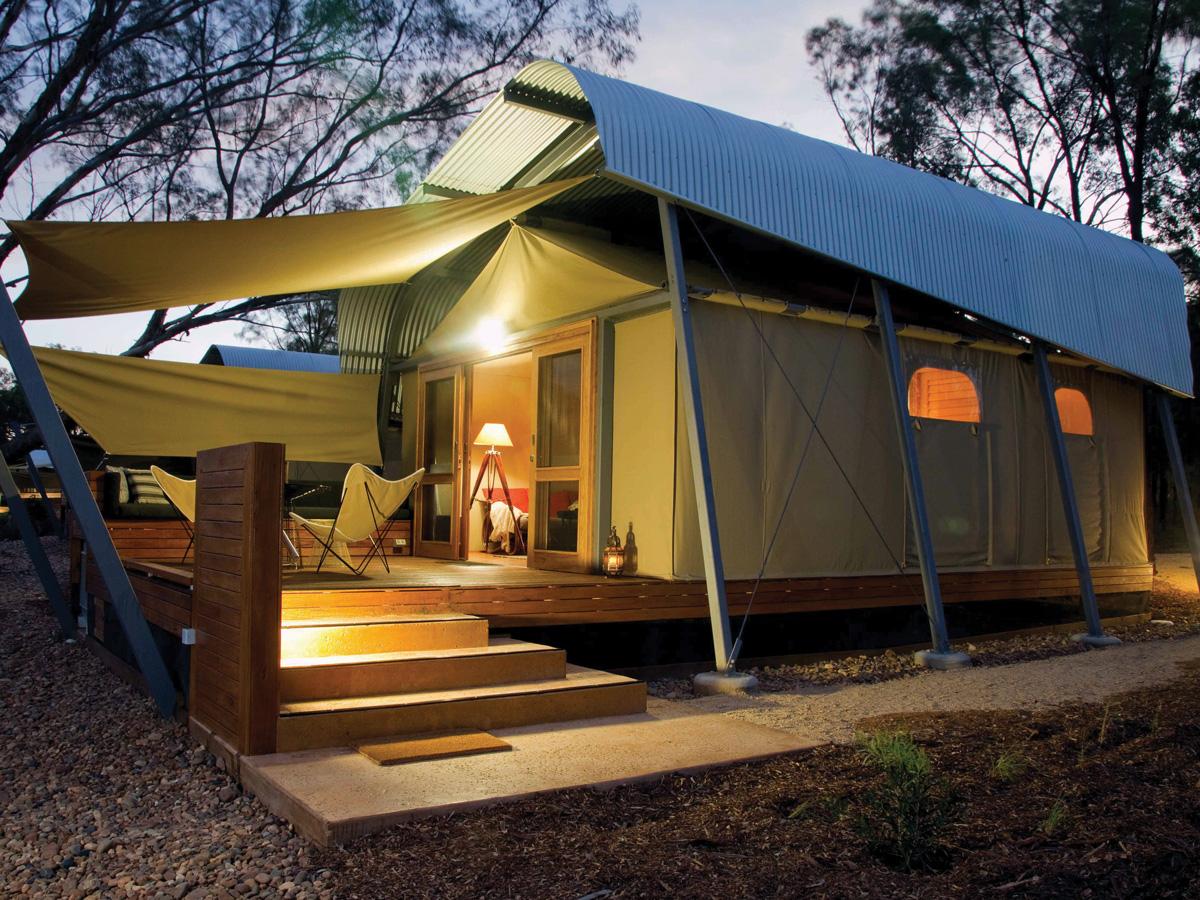 An African-style safari tent at Zoofari Lodge.