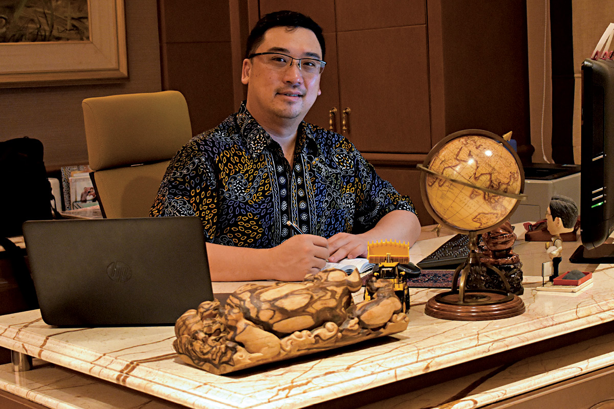 Hendra Surya CEO Mining Resources of Rajawali