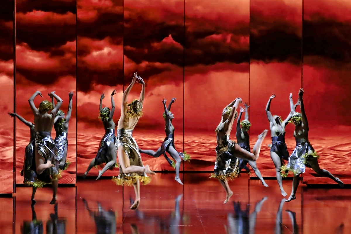 Aida dance troupe in Opera Australia's 2018 production at Sydney Opera house