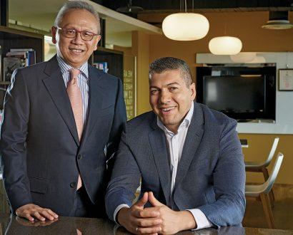 Andrew Lin (Chairman) & Petar Vazharov (General Manager) of Lotus Pharmaceuticals