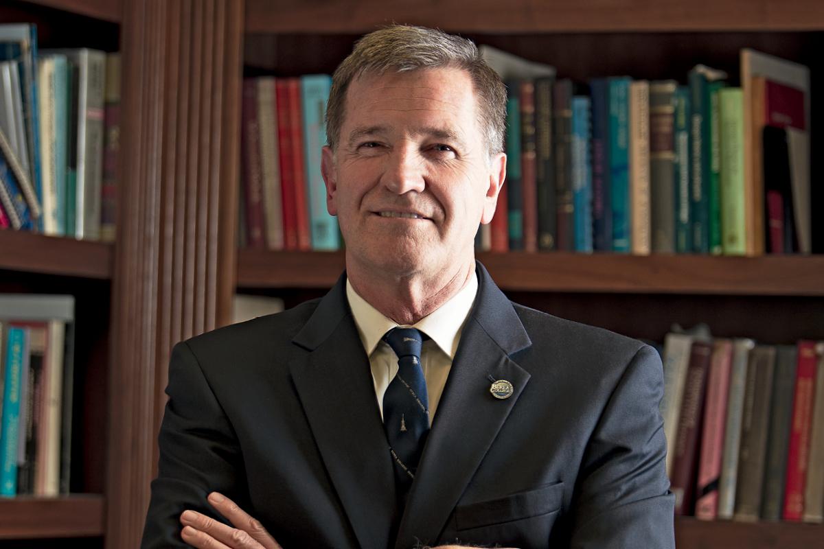 Dr Lyle D Roelofs President of Berea College