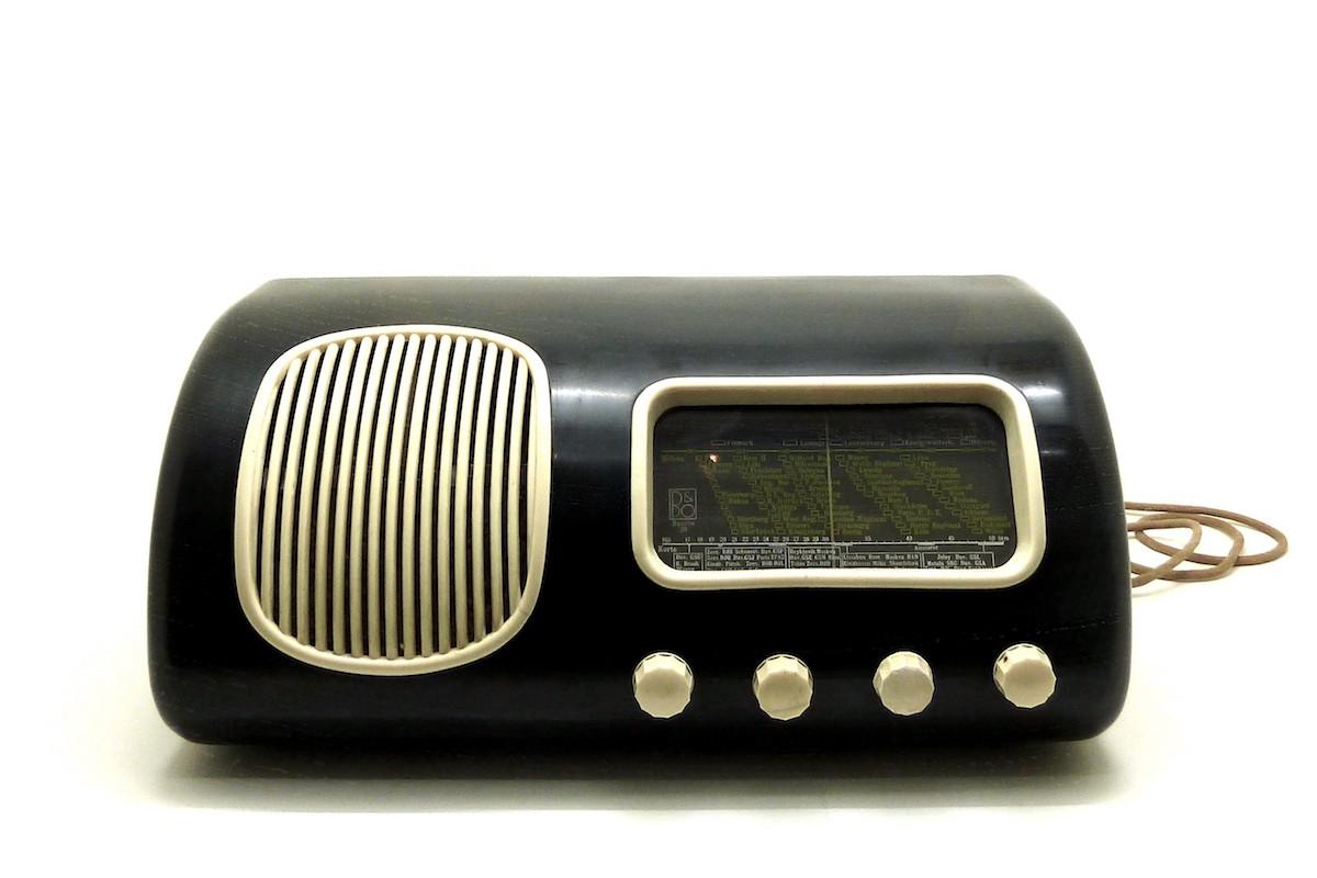 Beolit 39 Bakelite Radio