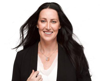 Jana Pittman wearing pendant
