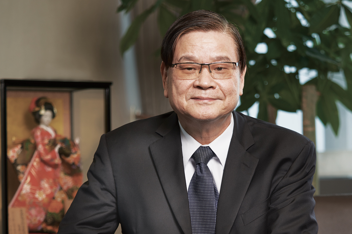 Pan Wen-Whe CEO and President of United Renewable Energy