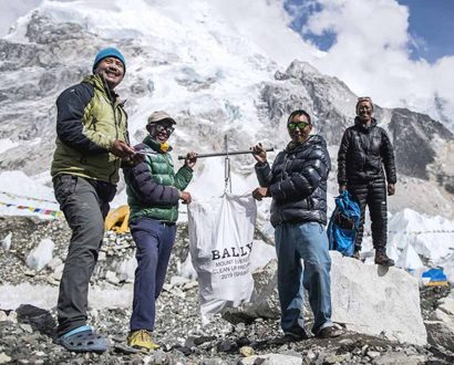 Bally removes rubbish from Mount Everest's death zone in first official clean-up