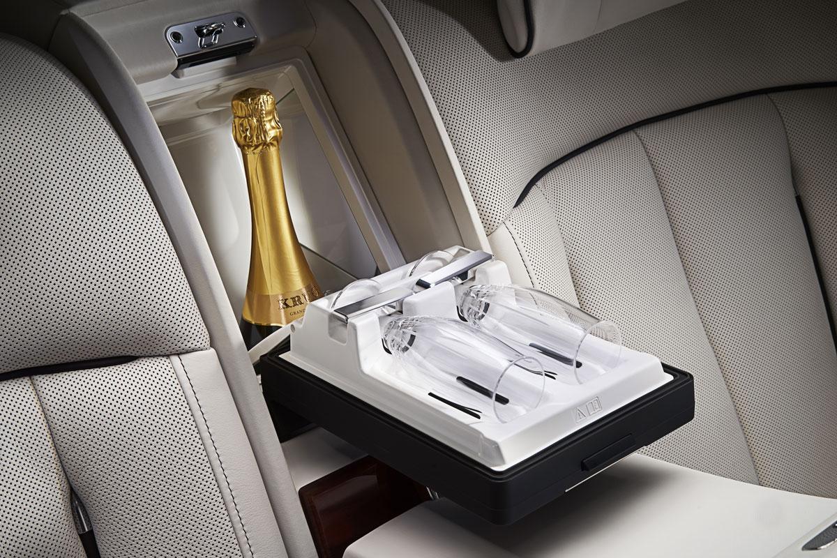 Inside Rolls Royce S A 150 000 Option For The Latest Phantom