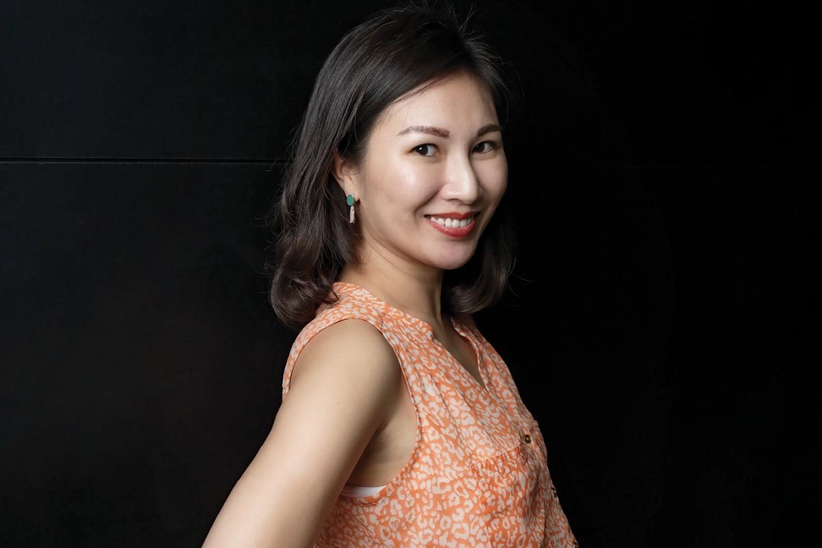Nancy-Chen_ASTON-MARTIN-LAGONDA