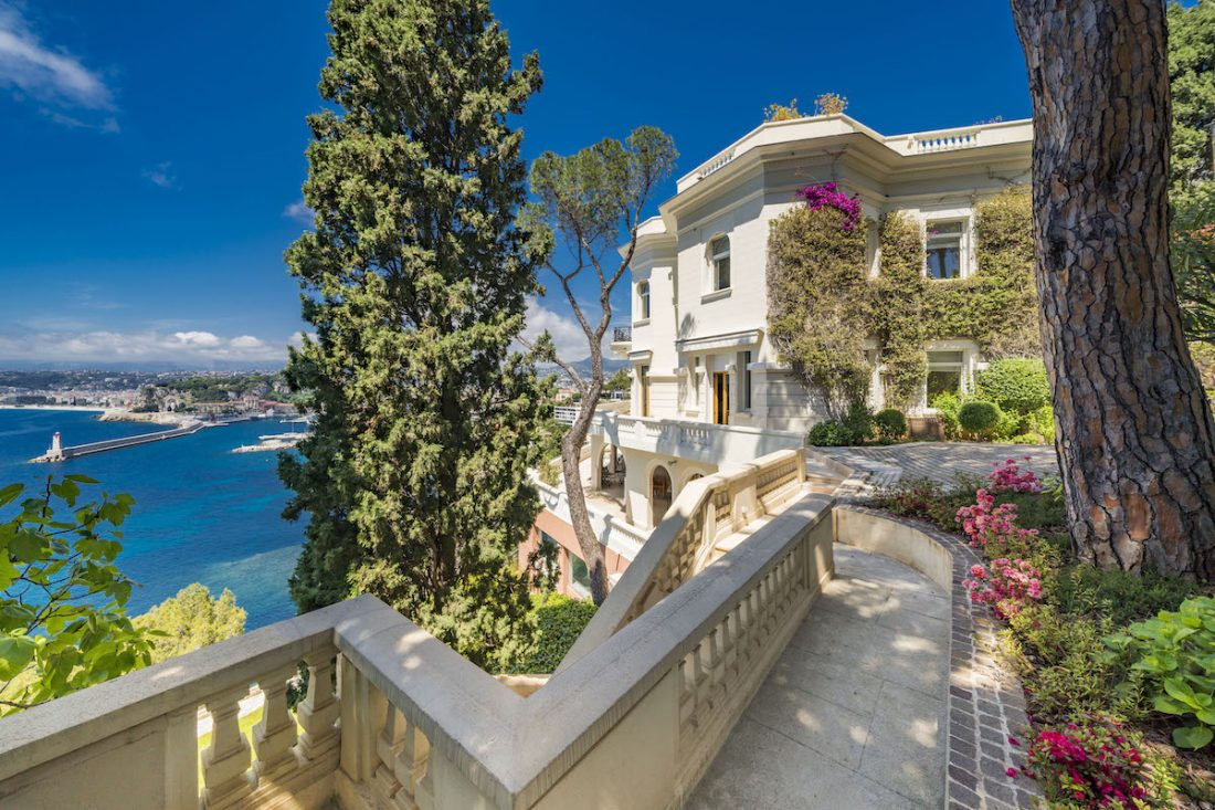 James Bond S Luxury French Riviera Home Could Now Be Yours