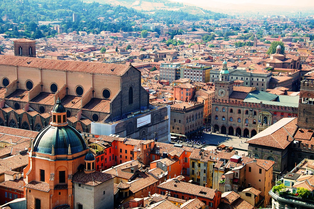 paid relocation - Bologna